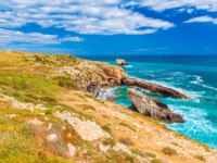 Клуб Павла Аксенова. Италия. Сицилия. Сиракузы. Beautiful landscape with cliffs, turquoise sea water and blue sky, Syracuse, Italy. Фото RS.photography-Deposit