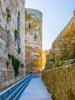 Италия. Сицилия. Сиракузы. View of the castello maniace in Syracuse, Sicily, Italy. Фото Dudlajzov - Depositphotos
