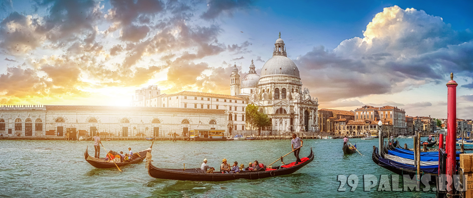 Клуб Павла Аксенова. Италия. Венеция. Гранд Канал. Romantic Venice Gondola scene on Canal Grande at sunset, Italy. Фото pandionhiatus3 - Depositphotos