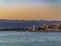 Клуб путешествий Павла Аксенова. Иордания. Пляж Акабы. Sunset view of seaside of Aqaba in Jordan. Фото Dudlajzov - Depositphotos