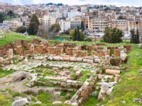 Клуб путешествий Павла Аксенова. Иордания. Джераш. Ruins of temple in Gerasa town and Jerash city. Фото vvoennyy - Depositphotos