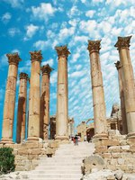 Клуб путешествий Павла Аксенова. Иордания. Джераш. Ancient Jerash. Ruins of the Greco-Roman city of Gera at Jordan. Фото waj197 -  Depositphotos