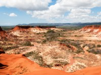 The Tsingy Rouge (Red Tsingy) is a stone formation of red laterite formed by erosion of the Irodo River in the region. Фото Alvarez-Riziky - Depositphotos