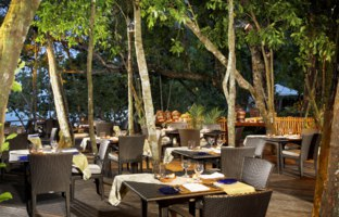 Клуб путешествий Павла Аксенова. The Andaman, a Luxury Collection Resort. The Tepian Laut Unique Dining in Rainforest