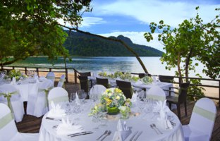 Клуб путешествий Павла Аксенова. Малайзия. О.Лангкави. The Andaman, a Luxury Collection Resort. Tepian Laut - wedding