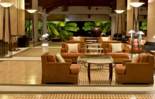 Клуб путешествий Павла Аксенова. The Andaman, a Luxury Collection Resort. The lobby looks out into the rainforest