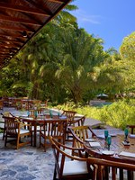 Малайзия. О.Лангкави. The Andaman, a Luxury Collection Resort. The Restaurant's terrace offers a unique dining experience in the rainforest