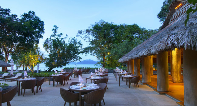 Клуб путешествий Павла Аксенова. Малайзия. О.Лангкави. The Datai Langkawi.  Beach Club Terrace