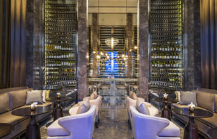 Клуб путешествий Павла Аксенова. Малайзия. О. Лангкави. The St. Regis Langkawi. Decanter Wine Bar