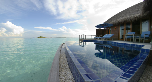 Клуб путешествий Павла Аксенова. Мальдивы. Anantara Dhigu Resort & Spa, Maldives. Sunset facing Anantara Over Water Pool Suites pool