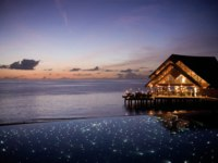 Мальдивы. Anantara Dhigu Resort & Spa, Maldives. Fuddan Grill at night