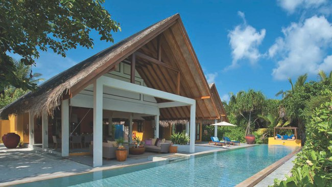 Мальдивы. Four Seasons Resort Maldives at Landaa Giraavaru. Two-bedroom Royal Beach Villa