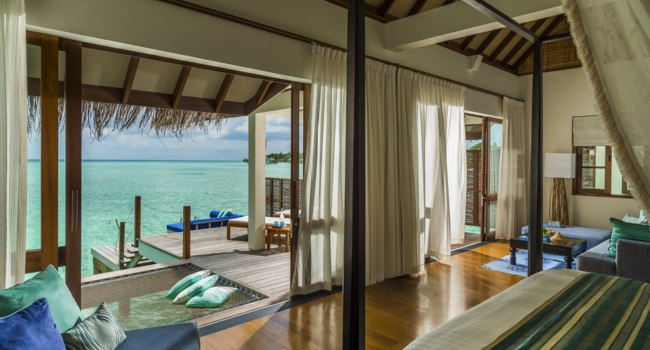 Мальдивы. Four Seasons Resort Maldives at Landaa Giraavaru. Water villa