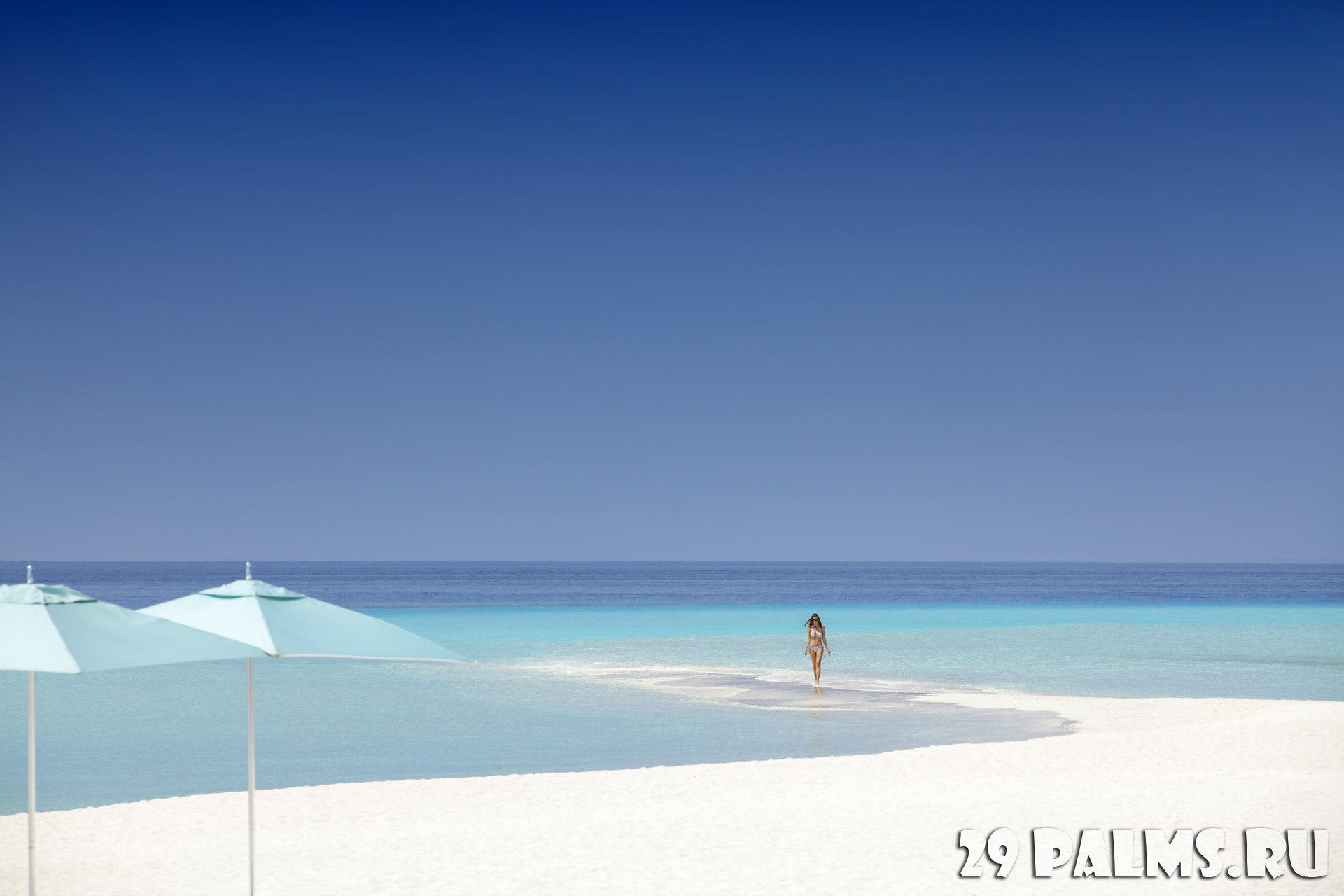 Мальдивы. Four Seasons Resort Maldives at Landaa Giraavaru. Beach