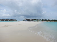 Мальдивы. Four Seasons Resort Maldives at Landaa Giraavaru. Beach. Фото Павла Аксенова