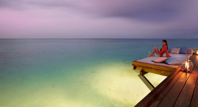 Мальдивы. Four Seasons Resort Maldives at Landaa Giraavaru. Seabar