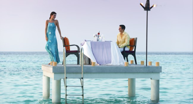 Four Seasons Resort Maldives at Landaa Giraavaru. Ужин в море