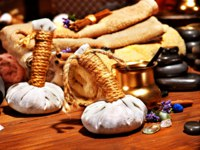 Аюрведа Spa. Lastone ayurvedic spa massage still life. Фото poznyakov - Depositphotos