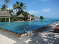 Мальдивы. Four Seasons Resort Maldives at Landaa Giraavaru. Pool. Фото Павла Аксенова