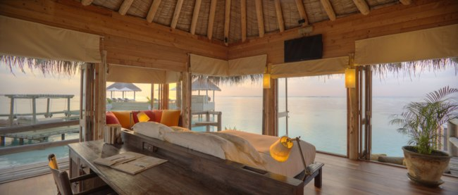 Клуб путешествий Павла Аксенова. Мальдивы. Gili Lankanfushi Resort. Private Reserve Residence. Master Suite Bedroom at Sunsrise
