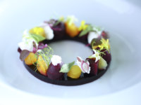 Мальдивы. Gili Lankanfushi Resort, Maldives. Общепит. Tasting of Beetroot and Goats Cheese