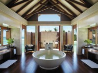 Мальдивы. Shangri-La's Villingili Resort & Spa, Maldives. Villa Muthee bathroom