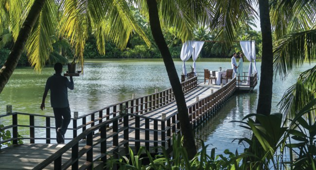 Мальдивы. Shangri-La Villingili Resort & Spa. Dine by Design at the Green Lagoon with Couple