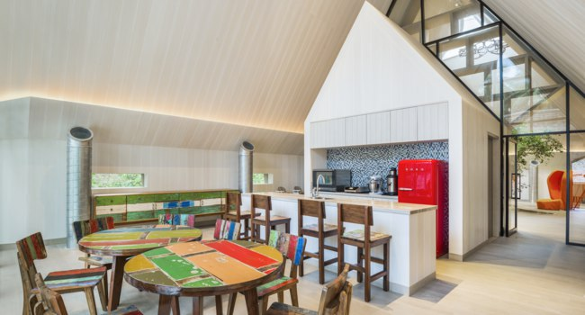 Мальдивы. The St. Regis Maldives Vommuli Resort. Childrens Club - Kitchen