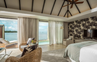Клуб путешествий Павла Аксенова. Маврикий. Four Seasons Resort Mauritius at Anahita. Presidential Suite Master Bedroom View