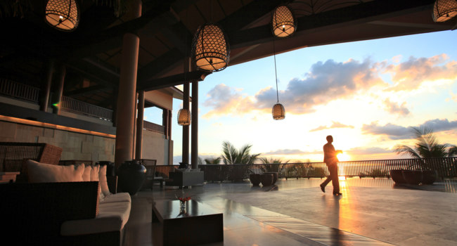 Маврикий. InterContinental Mauritius Resort Balaclava Fort. Lobby Sunset