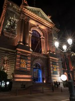 Monaco-Ville, Monaco - March 29, 2019 Facade view in the night of the Oceanographic Institute in Principality of Monaco. Фото surkovdimitri - Depositphotos
