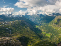 Блог Павла Аксенова. Норвегия. Geiranger fjord, view from Dalsnibba mountain, Norway. Фото javarman - Depositphotos