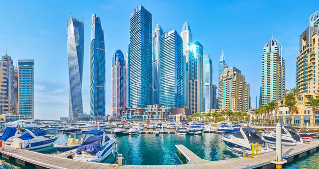 ОАЭ. Дубай. Район Дубай Марина. Panorama of luxury Marina in Dubai. Фото efesenko - Depositphotos