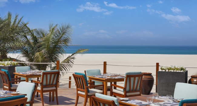 Клуб путешествий Павла Аксенова. ОАЭ. Рас-эль-Хайма. The Ritz-Carlton Ras Al Khaimah, Al Hamra Beach. Ресторан Shore House