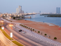 Клуб путешествий Павла Аксенова. ОАЭ. Рас-эль-Хайма. Corniche in Ras al Khaimah at dusk. Фото philipus - Depositphotos