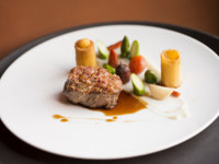 Клуб путешествий Павла Аксенова. Португалия.  Six Senses Douro Valley. Veal_loin_smoked_bread_crust