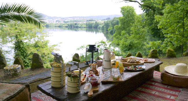 Клуб путешествий Павла Аксенова. Португалия.  Six Senses Douro Valley. Picnic by the river