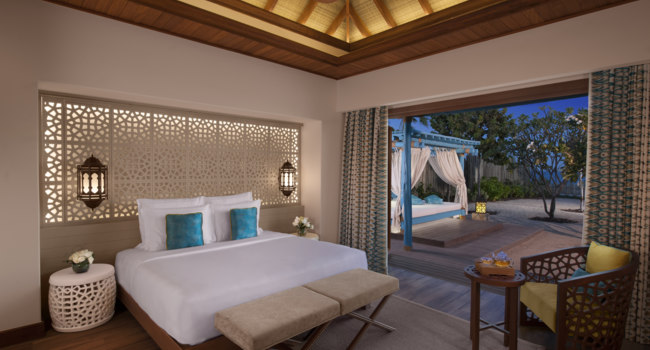Катар. Banana Island Resort Doha by Anantara. Three Bedroom Sea View Pool Villa bedroom