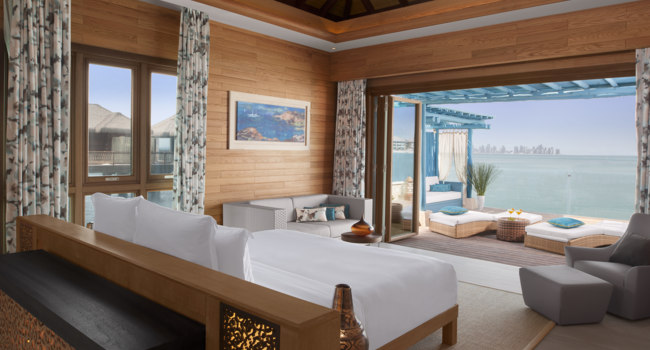 Катар. Banana Island Resort Doha by Anantara. Two Bedroom Overwater Villa Master Bedroom