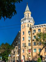 Россия. Архитектура Астрахани. Buildings in the city centre of Astrakhan, Russia. Фото Leonid_Andronov - Depositphotos