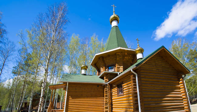 Россия. Храмы Екатеринбурга. Wooden Church. Ekaterinburg. Russia. Фото vlerijse - Depositphotos