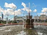 Россия. Парки Екатеринбурга. Labor square and chapel of St. Catherine. Ekaterinburg. Russia. Фото vlerijse - Depositphotos