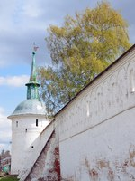 Золотое кольцо России. Александров. Defensive Tower of Aleksandrovskaya Sloboda (Alexandrovsky Kremlin). Фото irinabal18 - Depositphotos