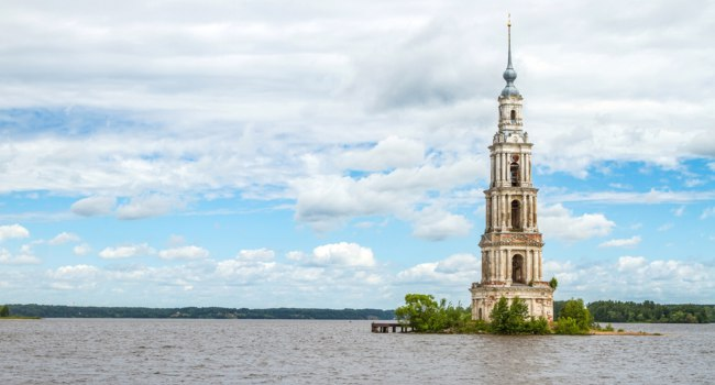 Россия. Тверская область. Калязин. Колокольня. Kalyazinskaya bell tower of St. Nicholas Cathedral in the water. Kalyazin, Tver region. Фото andrei-anpo - Deposit