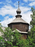 Золотое кольцо России. Муром. Cupola of ancient wooden church of Sergey Radonezhsky in Holy Trinity Monastery (18 century) of Murom city Фото viknik-Deposit