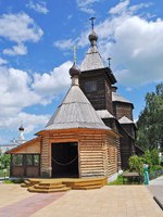 Золотое кольцо России. Муром. Medieval wooden church of Sergey Radonezhsky in Holy Trinity Monastery of Murom city, Vladimir region, Russia. Фото viknik-Deposit