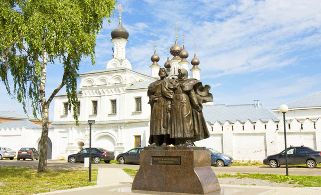 Annunciation monastery and monument to citizens of the town Saint Peter and Febronia in town Murom Monastery has been founded in 1553. Фото Afonskaya-Deposit