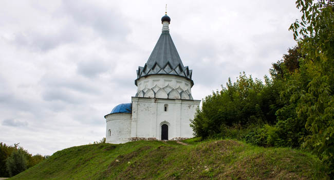 Золотое кольцо России. Муром. Храм Космы и Дамиана. Temple of Cosmas and Damian. Murom, Vladimir region, Russia. Фото Sofjushka - Depositphotos