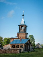 Золотое кольцо России. Палех. Image of small wooden church at Sergeevo, Palekh, Vladimir region, Russia. Фото sietevidas - Depositphotos
