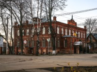 Россия. The building of a childrens shelter from a red brick. It is constructed in 1900 and it was designed for 50 children. Pereslavl-Zalessky. Фото mosprofs-Deposit